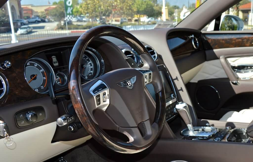 Bentley Flying Spur Rental interior