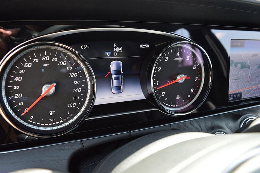 img2 Mercedes S550 Rental Los Angeles