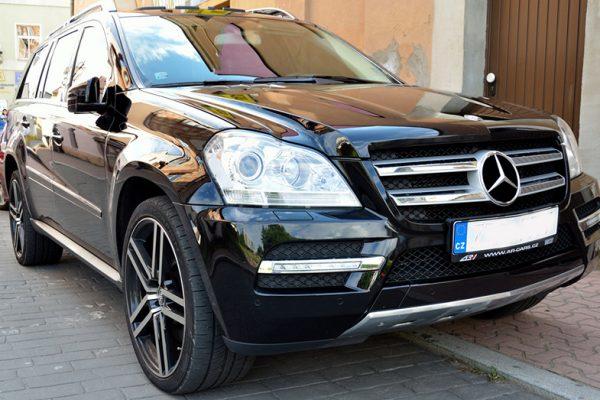 Zoomed in Mercedes black rental LA