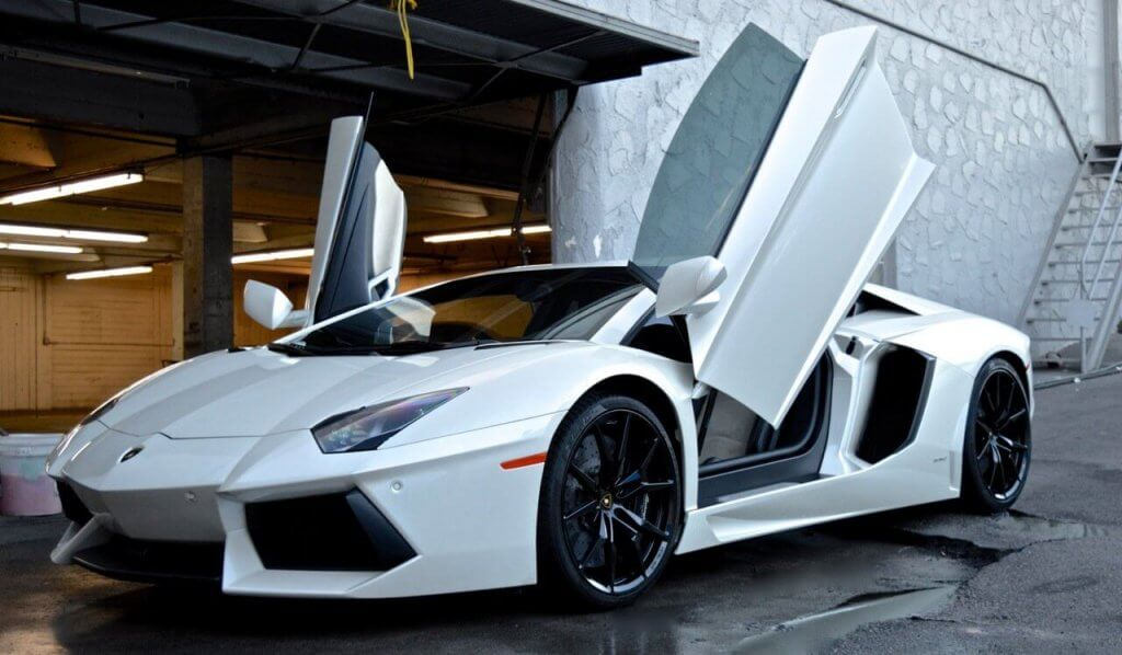 High Quality Four Door Up White Lamborghini SOCal Rental
