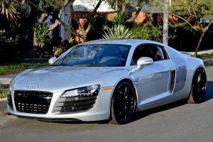 Silver-Audi-R8-Rental