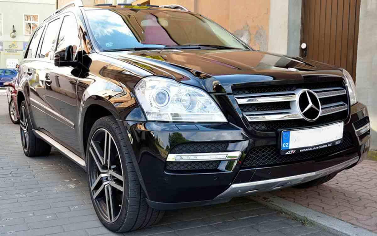 Los angeles luxury exotic car rental mercedes benz gl450 for Mercedes benz rental los angeles