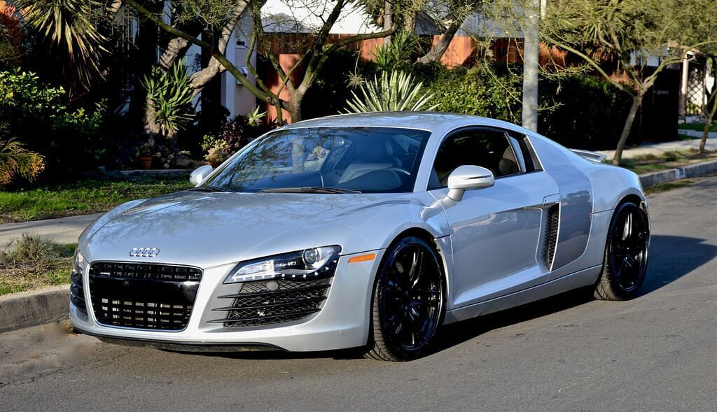 Silver Audi R8 Rental Los Angeles - 777 Exotic Car Rental