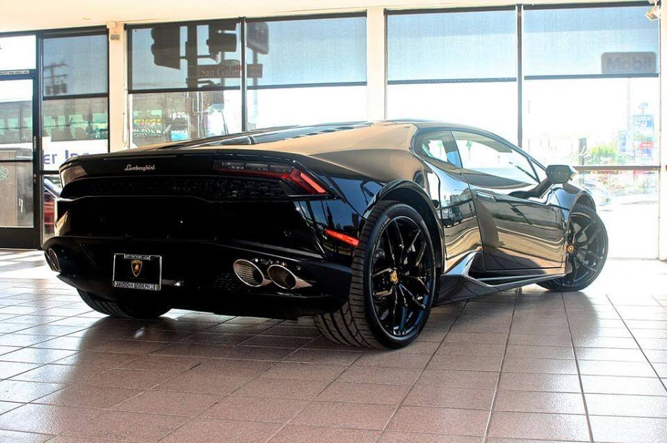 Lamborghini Huracan Black back view LA rental