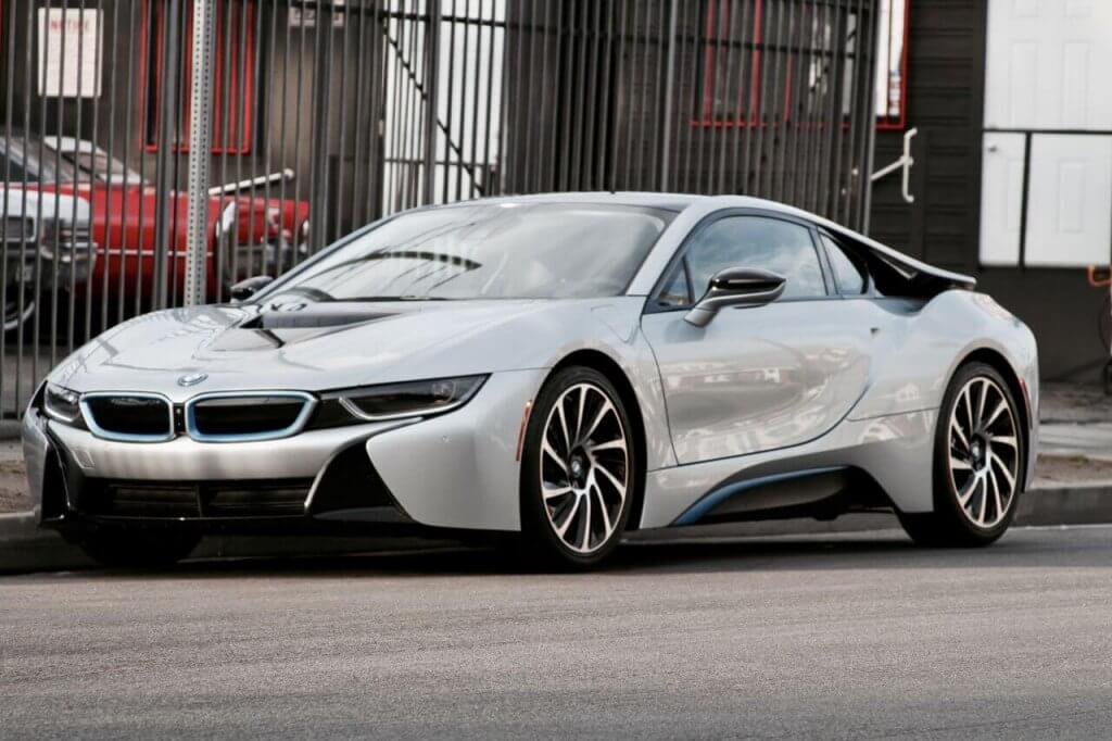 bmw i8 silver side view diagonal rental LA