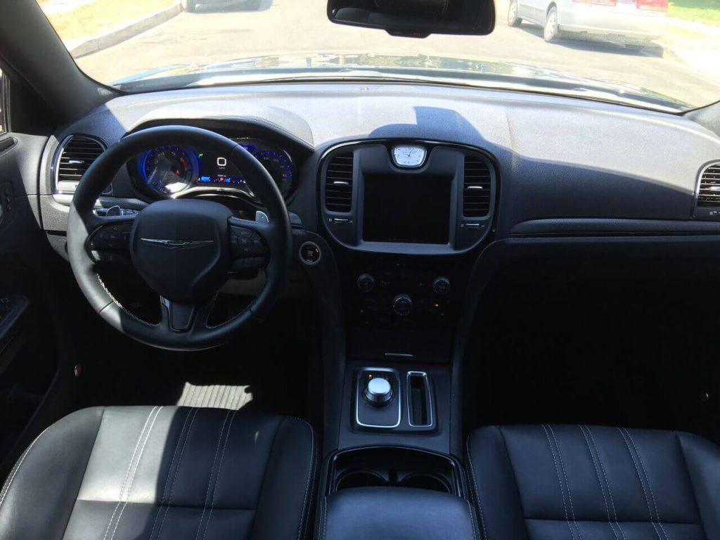 Chrysler 300 S rental interior photo LA