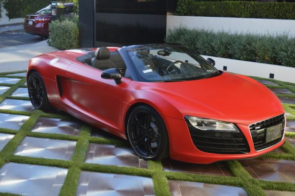 red-audi-r8-sports-car_39771944961_o-600x400