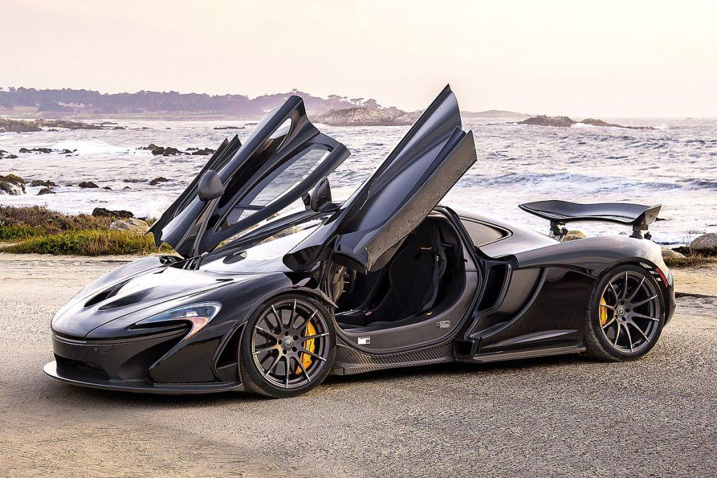 1200px-McLaren_P1