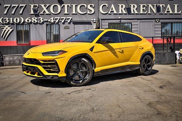 r Lamborghini Urus Yellow