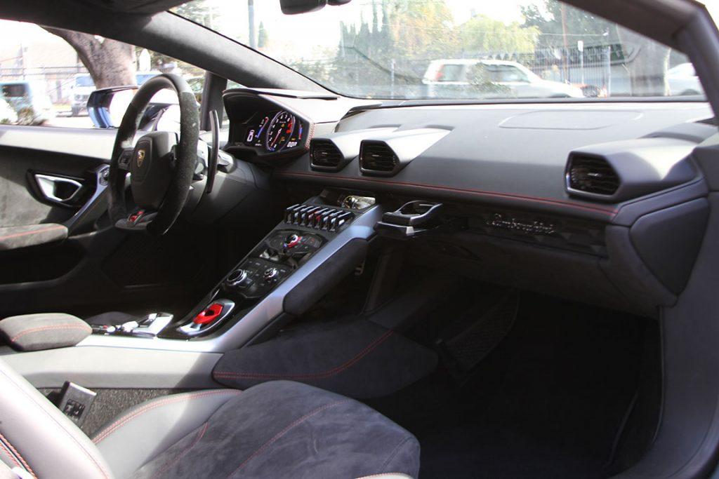 Lamborghini Huracan Charcoal Interior