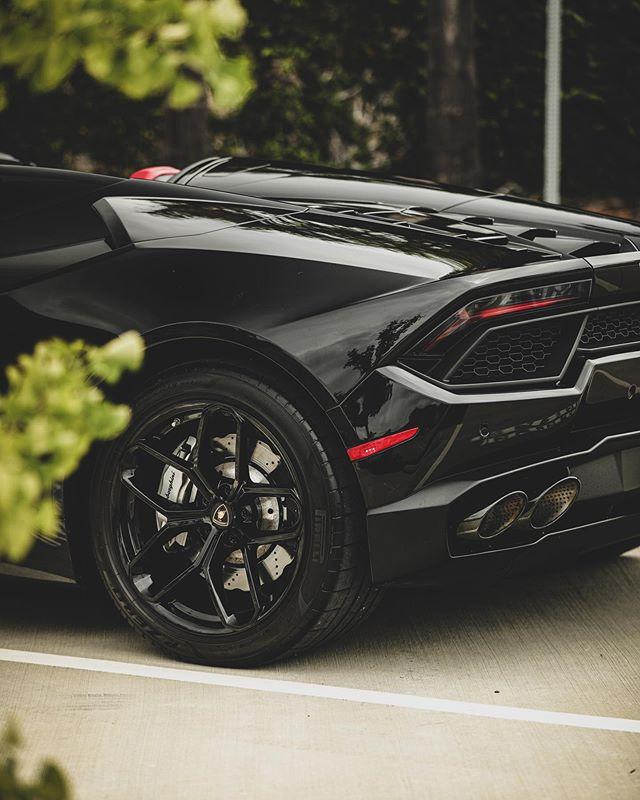 Lamborghini Huracan Rental in LA